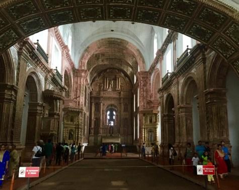 Interior da Catedral de Velha Goa