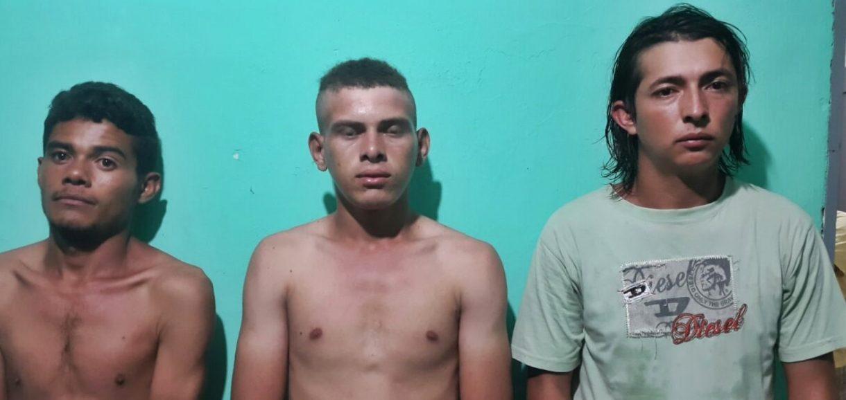 Trio faz assalto a mão armada e dois são presos com dinheiro em Francisco Santos