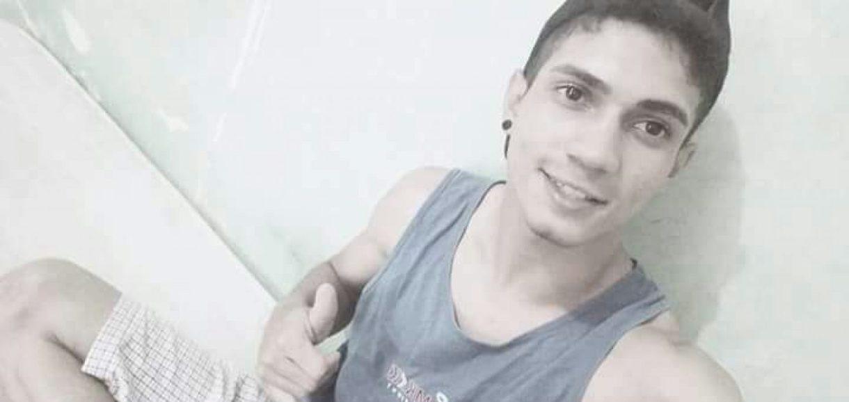 Jovem morre após acidente de moto e comove a cidade de Simões