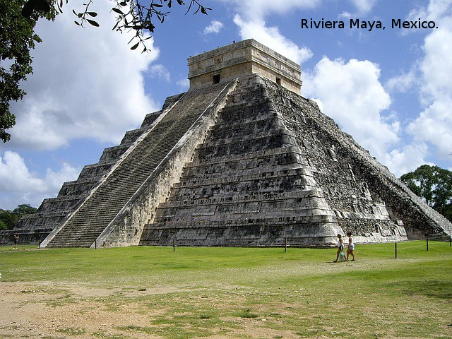 riviera-maya.mexico.playas-piramide