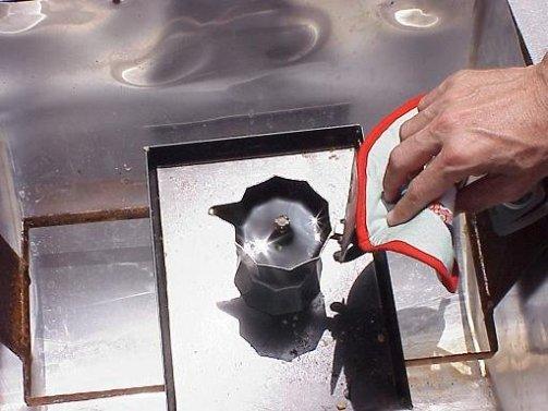 ciencia de cuba_portal de la ciencia cubana_colando cafe en la cocina solar