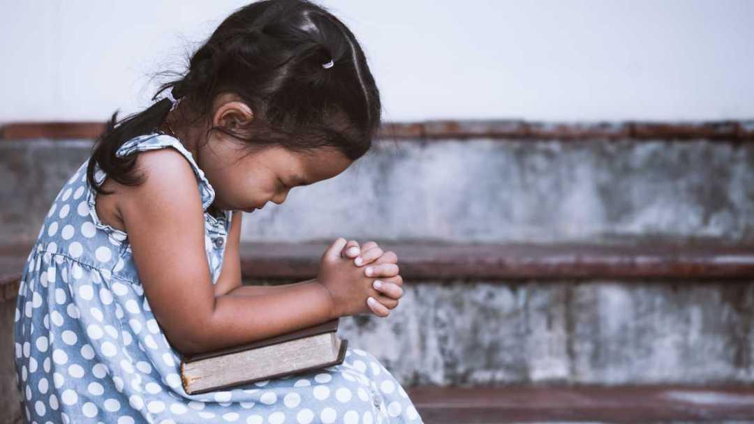 Dúvida questionar e fé confia