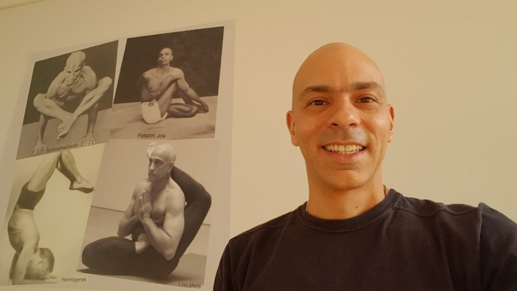Vitor Tradição - Porque você não avança no Yoga