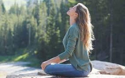 gisele meditating - Porque Gisele Bundchen está certa em preferir meditação a antidepressivos
