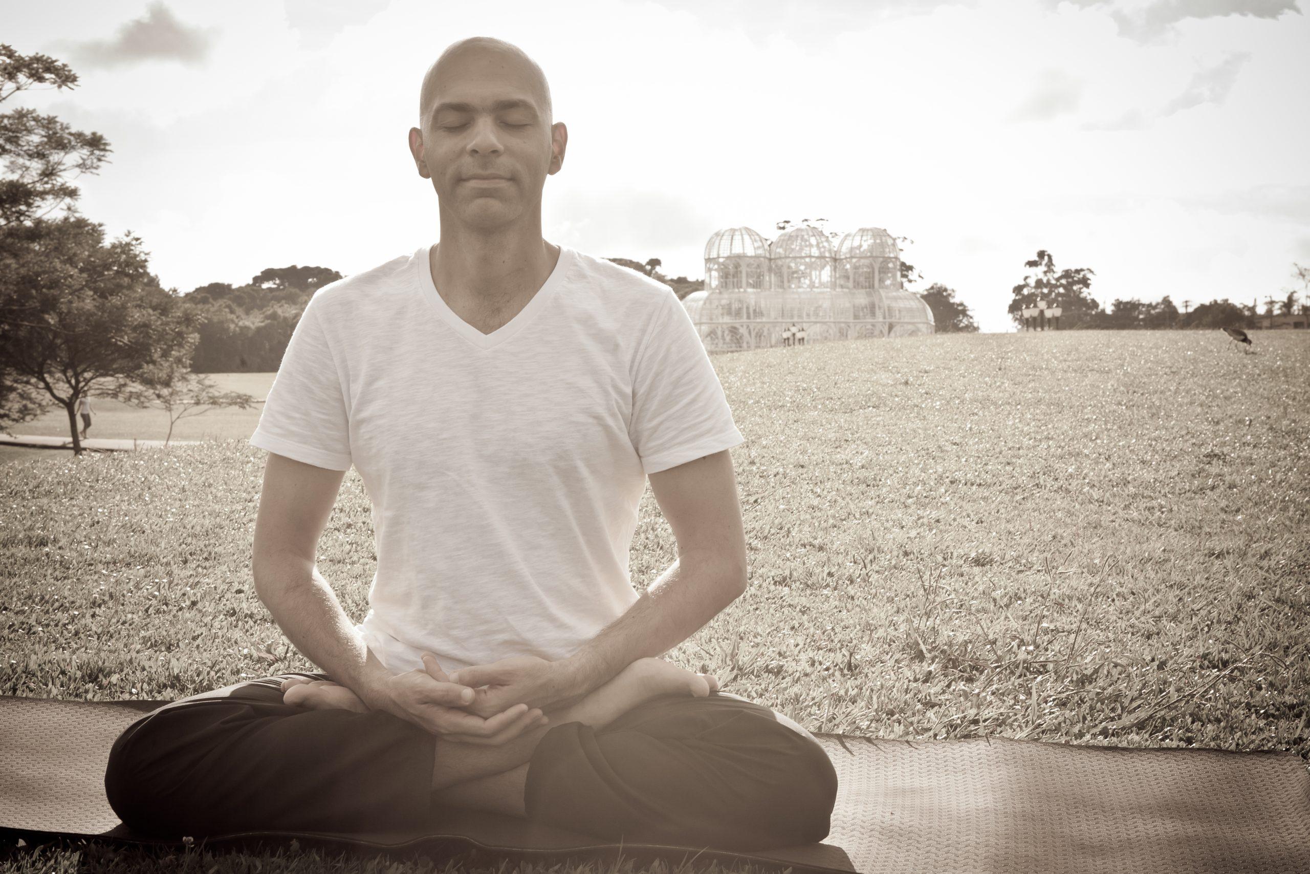 Ensaio Vitor 0004 scaled - Terapia Meditativa Online
