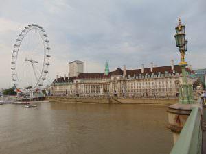 London Eye i London Aquarium (niegdyś budynek bardziej związany z polityką niż z rybami..)