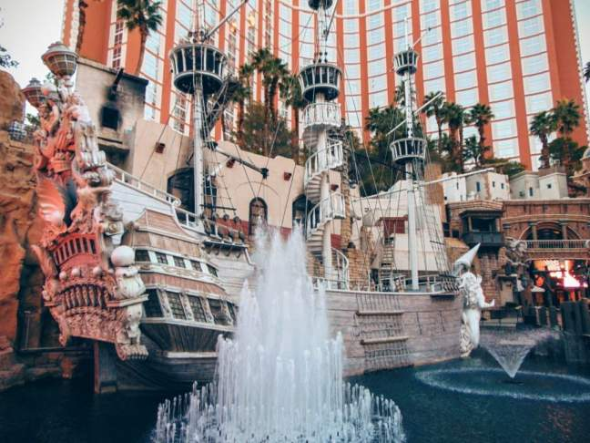 Vegas oferuje też restauracje na morskim statku...