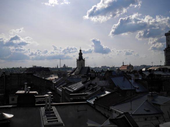 Widok na miasto prosto z dachu