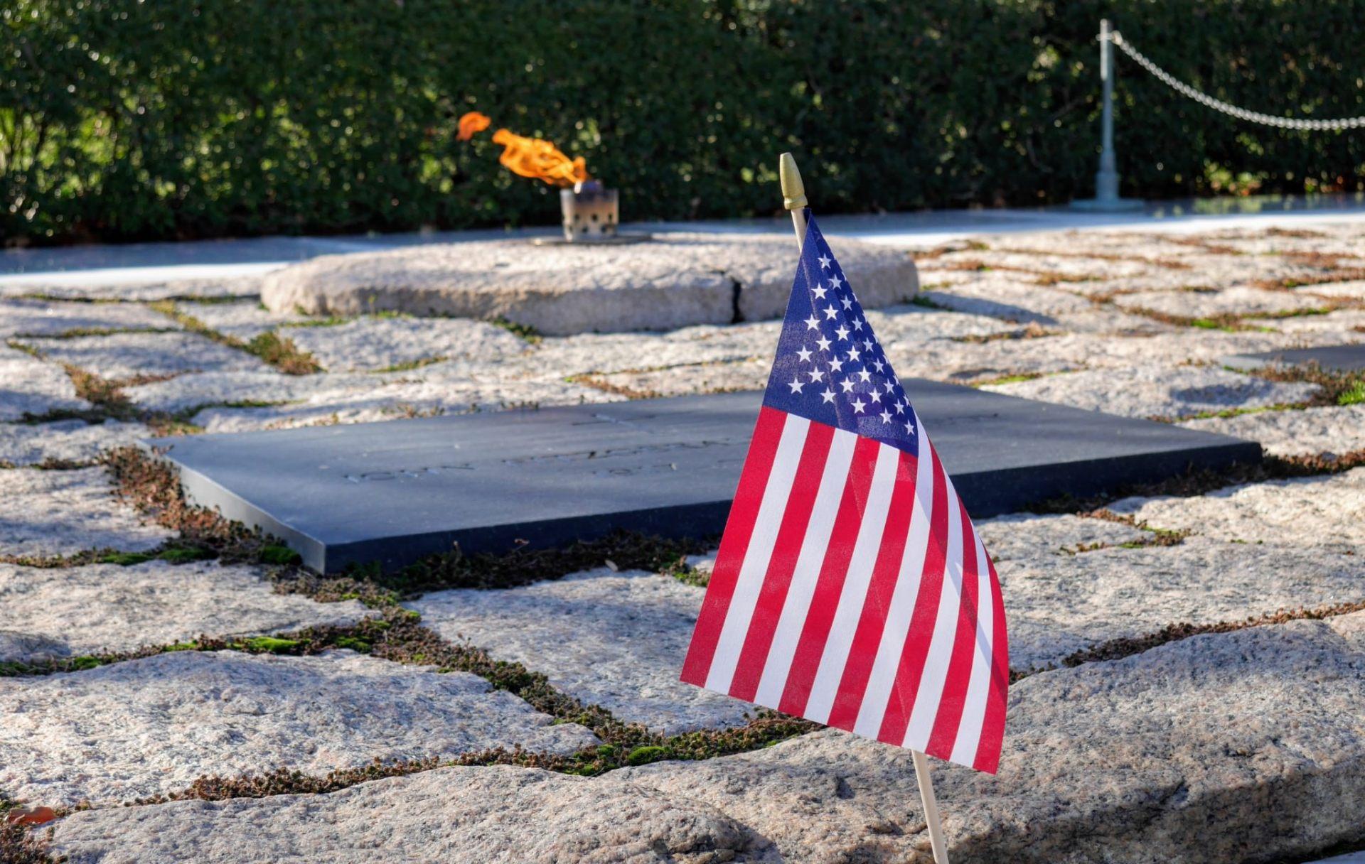Przy grobie JFK
