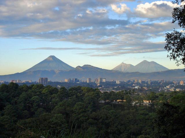 Gwatemala, panorama miasta. Zdjęcie w domenie publicznej