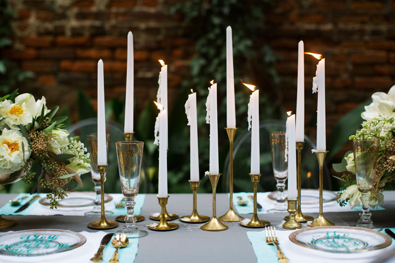 Dip-Dyed-Aqua-Gold-Wedding-Candles-Table-Setting