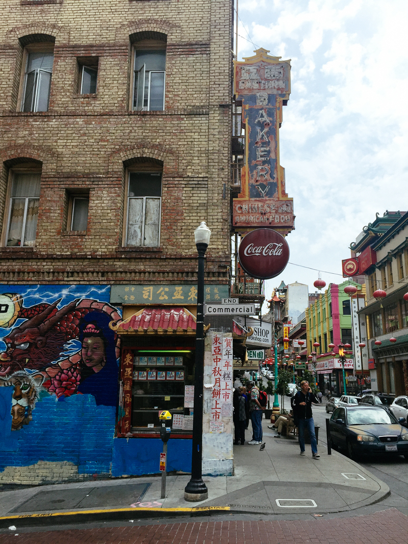 San-Francisco-Travel-Guide-China-Town-Neon-Sign