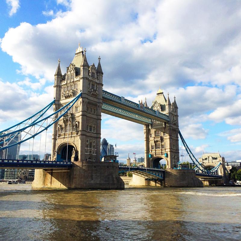 Travel Guide London Bridge