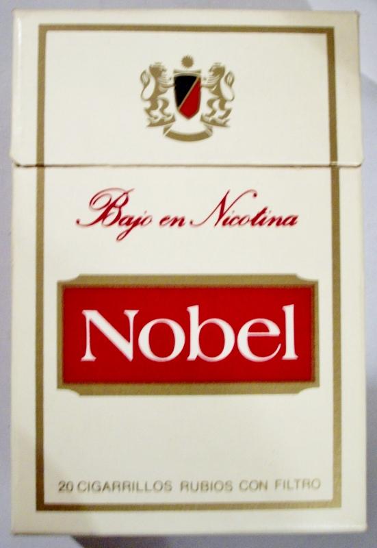 Nobel Bajo en Nicotina filter - vintage Spanish Cigarette Pack