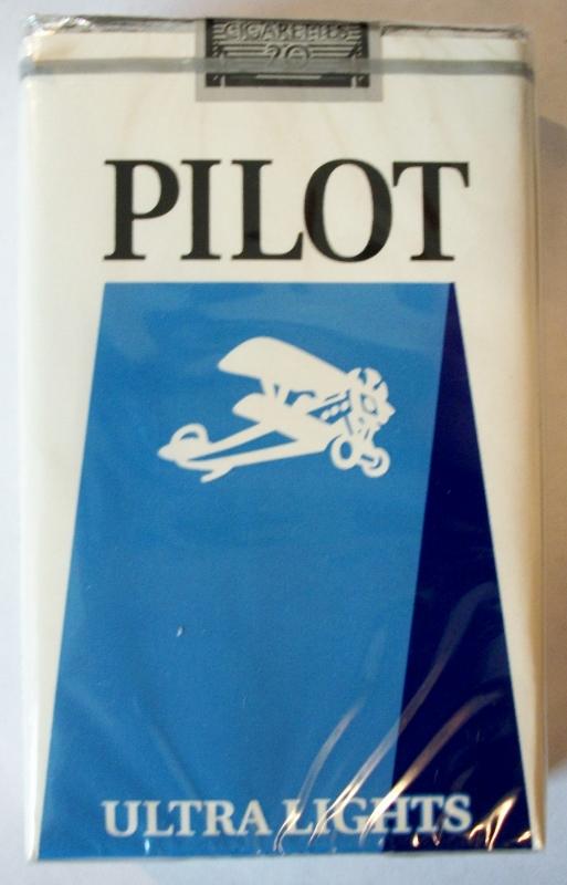 Pilot Ultra Lights King Size - vintage American Cigarette Pack