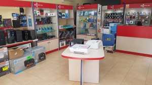 interior tienda informatica 03