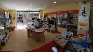 interior tienda informatica 05