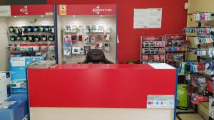 interior tienda informatica 06