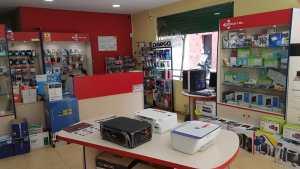 interior tienda informatica 14