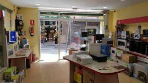 interior tienda informatica 15