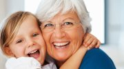 Найкращі бабусі за знаком Зодіаку для своїх онуків
