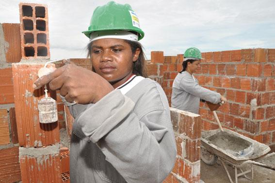 Resultado de imagem para mulher trabalhando