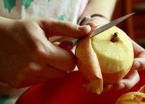 olupite in naribajte jabolka