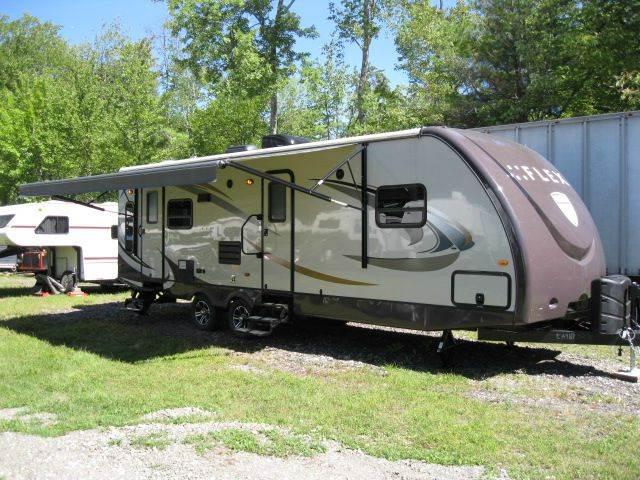 Fifth Wheel Travel Trailer & Truck Camper
