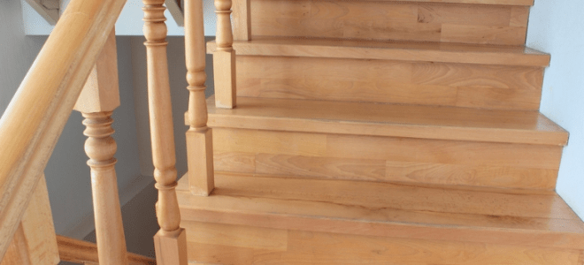 How To Remove Wood Stair Railing Doityourself Com   Wooden Banisters And Railings   Interior   Small   Horizontal   Creative Diy   Hand