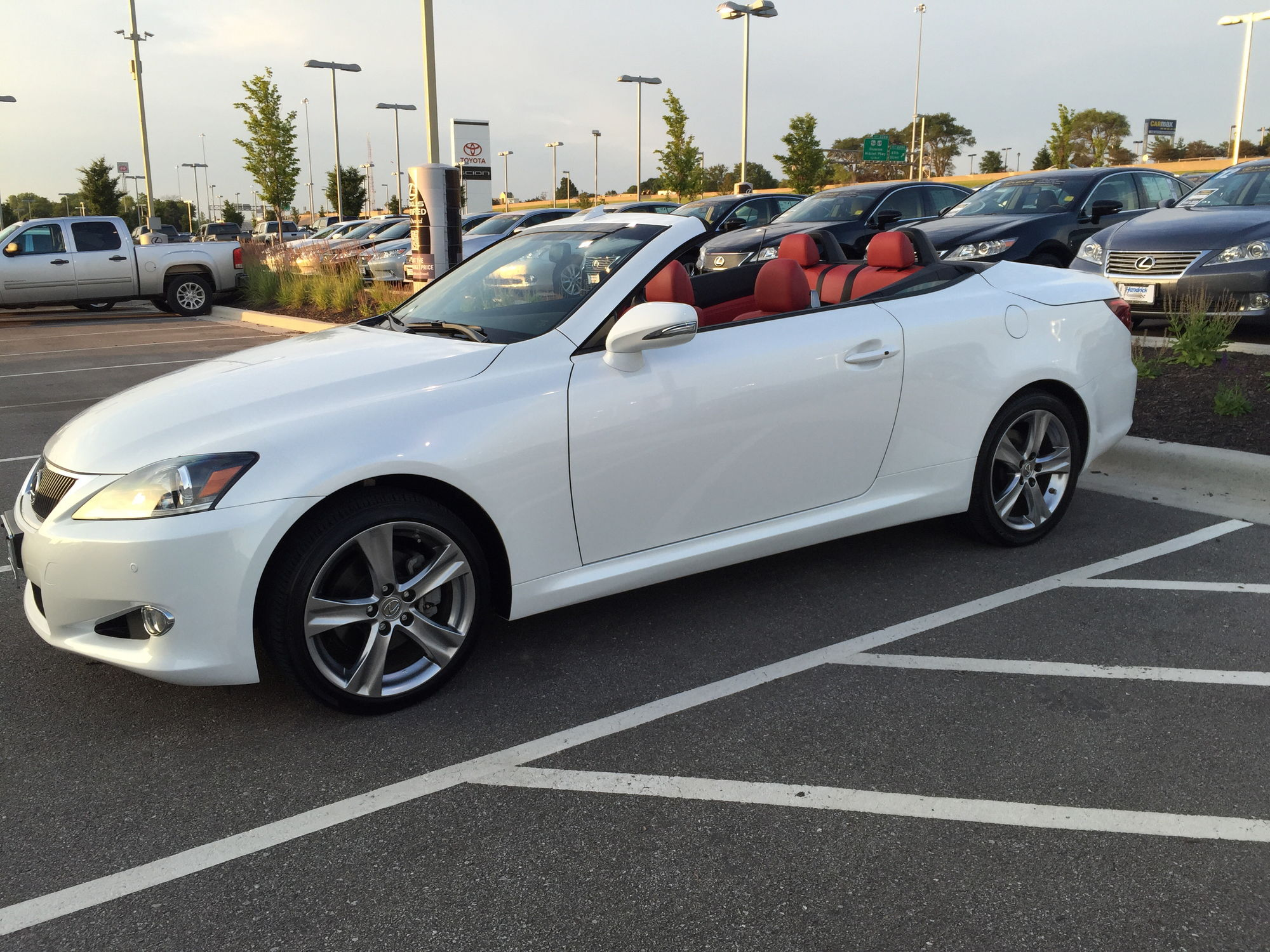 Wel e to Club Lexus IS C owner roll call & member introduction