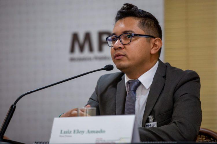 Luiz Eloy Amado, indígena do Povo Terena e integrante Apib, durante fala no evento. Foto: Tiago Miotto/Cimi