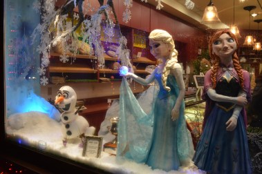 A Frozen Christmas