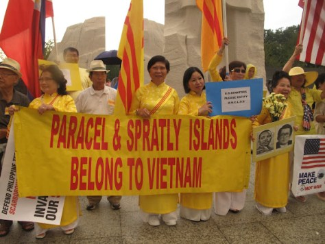 Vietnamese-Americans demonstrating against Chinese claims in the South China Sea. Note the banner in favor of US ratification of UNCLOS.