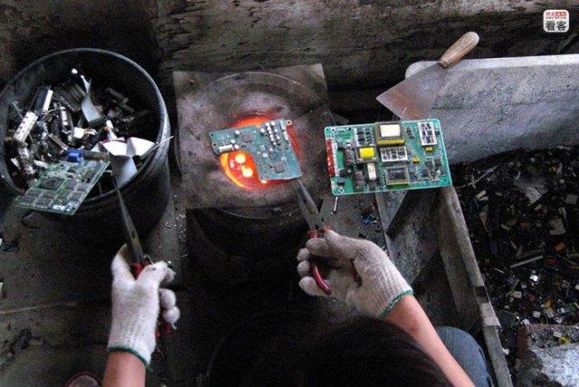 china-ewaste-005-rifiuti elettronici in Cina