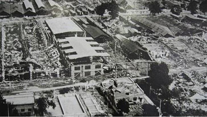 L'alto numero delle vittime è da attribuirsi a due cause principali: l'ora in cui aveva colpito e la bassa qualità e resistenza degli edifici.
