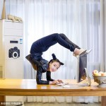 La incredibile flessibilità della contorsionista Liu Teng