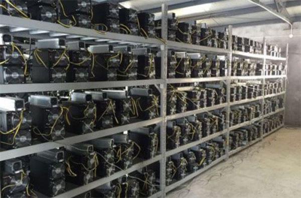 bitcoin-mining-farm-bitcoin vietati cina