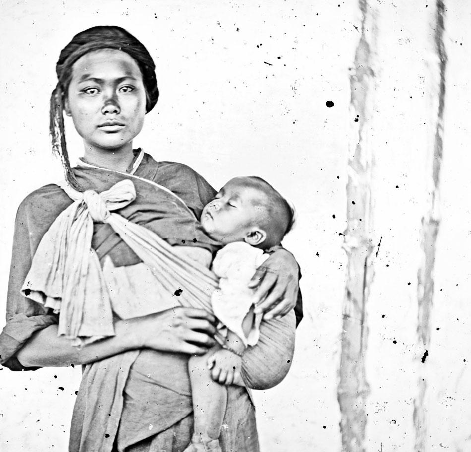 Una donna e un bambino Baksa, Formosa 1871. J. Thomson