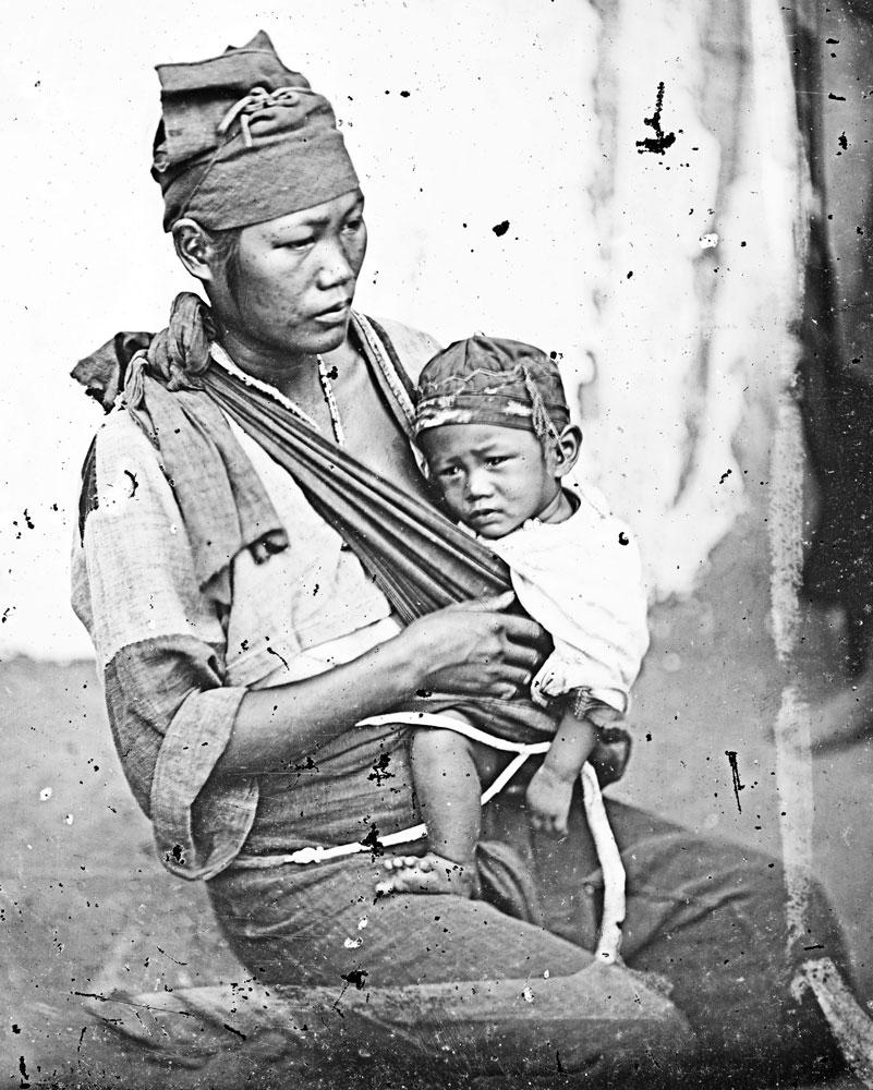 Una madre con un bimbo_aborigeni_taiwanesi
