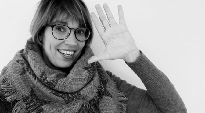 ESCRIBE TU RELATO DE Abril (II): Laura Vera, @mindalia_TV