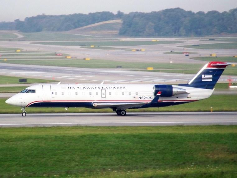 CVG PSA CRJ-200 N221PS