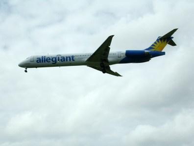 CVG Allegiant MD-82 N411NV
