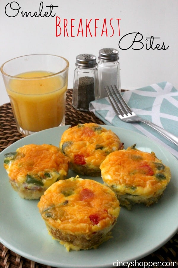 Omelet Breakfast Bites- Perfect breakfast idea for serving a crowd. Potatoes, veggies, egg and cheese. YUM!
