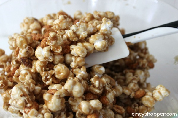 Copycat Cracker Jack Recipe. No need to purchase those pricy boxes of Cracker Jack. Enjoy homemade Cracker Jack and save $$'s.