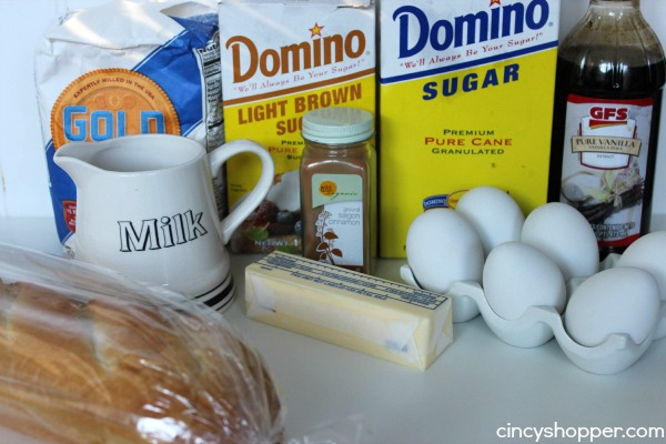French Toast Cups Recipe. Absolute delish. Super simple and great for feeding a crowd for holiday breakfasts or brunches