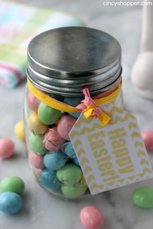 DIY Easter Candy Jar Gift with FREE Printable Tag- Super Easy and Super Inexpensive Easter Gift. Great for teachers, co-workers, neighbors!