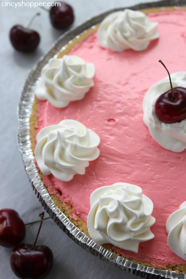 No Bake Cherry Kool-Aid Pie - Super simple pie that requires just 4 ingredients. Great for summer bbqs.