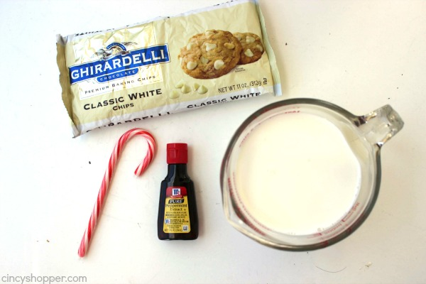 Peppermint White Hot Chocolate -Make it right at home, no need to rush off to Starbucks. Rich, creamy, pepperminty, and perfect for serving in the cold months and holidays.
