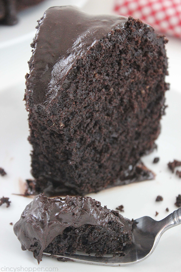 Chocolate Fudge Brownie Cake - lots and lots of chocolate. So super simple and perfect for chocolate fudge brownie fans.