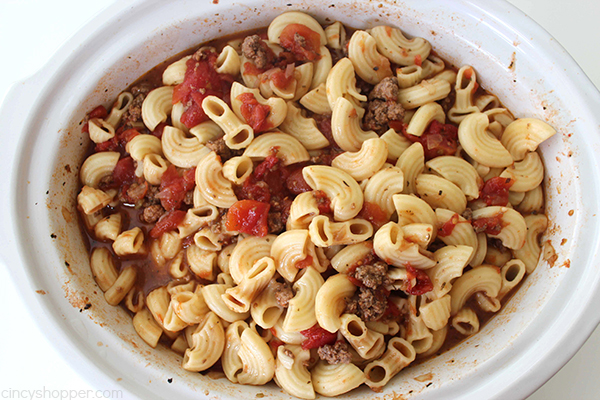 Slow Cooker Beef and Tomato Macaroni Soup 9